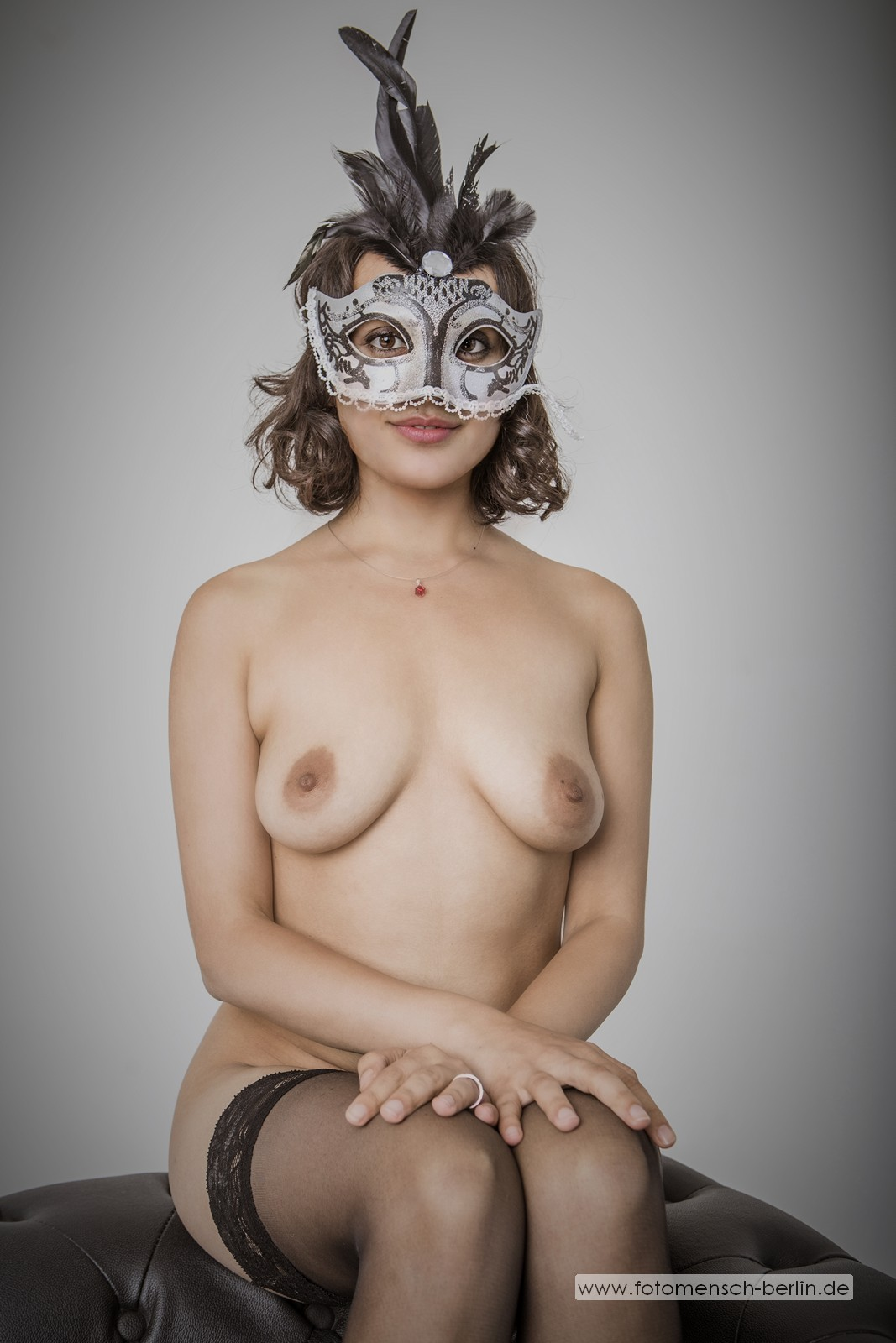 Yasmeena mit Maske