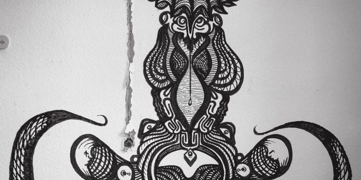 Schwarz-weiße Kunst in der ehemaligen Frauen- und Kinderklinik Neukölln