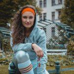 Rollergirl Lia Savadaa am Savignyplatz
