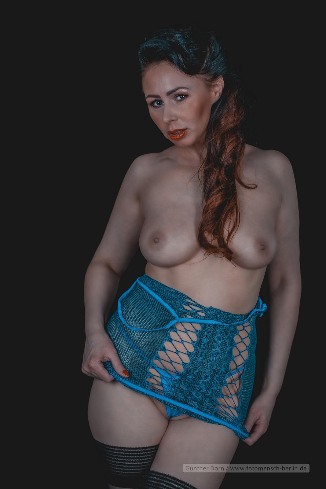Lady Sarah in blau